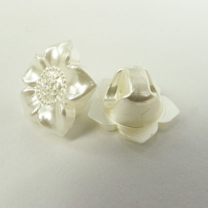 Button - Pearlescent Flower